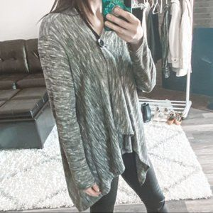 ❄️ 2/$35 XS Gray Cardigan with Button Closure